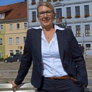 Uta Strewe auf dem Bischofswerdaer Altmarkt: In der Oberlausitz hat sie sich bereits einen Namen gemacht. Für den Landkreis Bautzen will die SPD-Frau in den Bundestag einziehen.